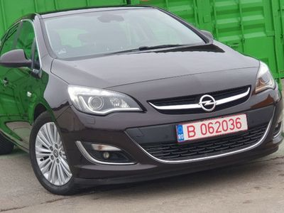 second-hand Opel Astra Cosmo 1.7 CDTI 130cp Hatchback Full Option