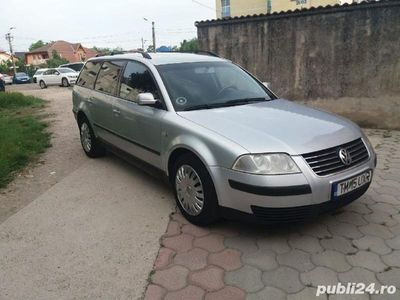 second-hand VW Passat 1,6 i euro 4 anul 2003 inmatriculat