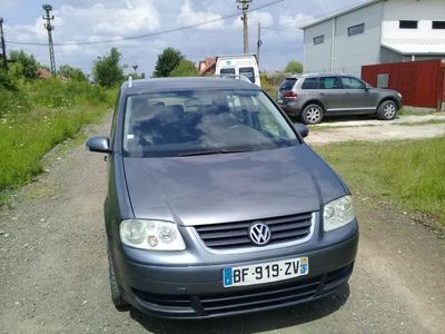second-hand VW Touran 2.0 TDI 140 CP