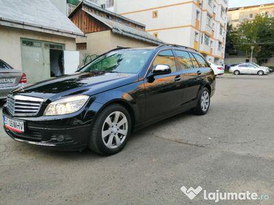 second-hand Mercedes C220 benz-înscris recent