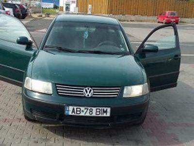 second-hand VW Passat 1600 benzina-berlina