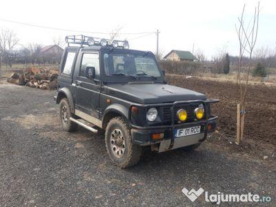 used Suzuki Samurai off road