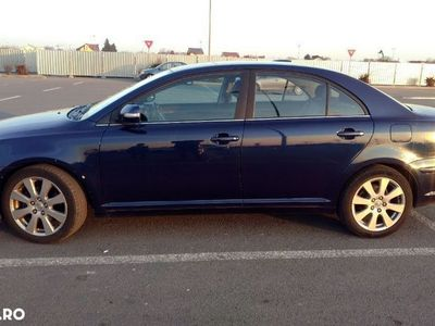 second-hand Toyota Avensis II T25