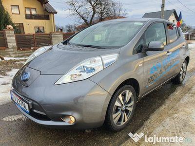 second-hand Nissan Leaf Teckna 2014, 40.000 km, gri, LED, full electric