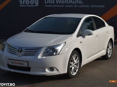 second-hand Toyota Avensis MK2