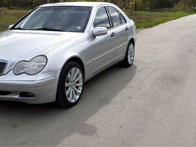 second-hand Mercedes 220 C-class
