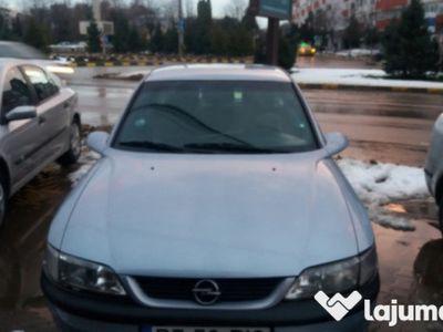 second-hand Opel Vectra B 1.6i fara acte de piese