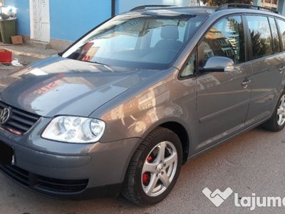 second-hand VW Touran 2004 1.6 EURO 4 IMPECABIL!!!