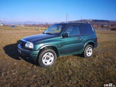second-hand Suzuki Grand Vitara 2.0 i Aer condiționat