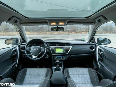 second-hand Toyota Auris 2.0