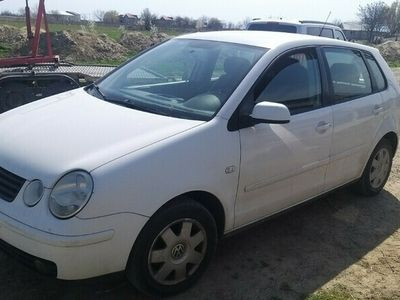 second-hand VW Polo 1.4b 5 usi din 2005