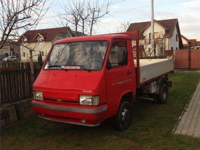 second-hand Nissan Cargo
