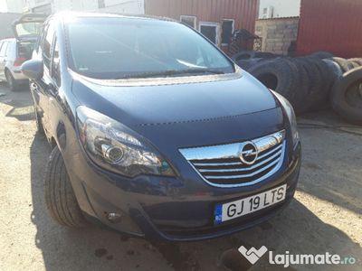 second-hand Opel Meriva b schimb cu benzina an 2015