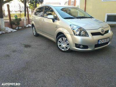 second-hand Toyota Corolla Verso 2.2