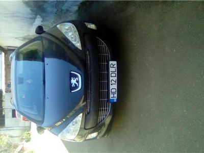 second-hand Peugeot 308 7 locuri