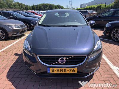 used Volvo V40 2014