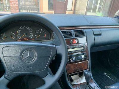 second-hand Mercedes E240 Clasa E