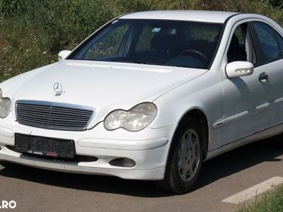 second-hand Mercedes C200 C220