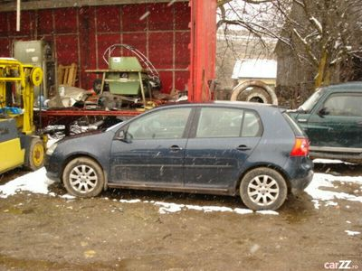 second-hand VW Golf V 1,6 benzina