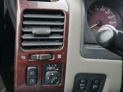 second-hand Mitsubishi Pajero 3.2