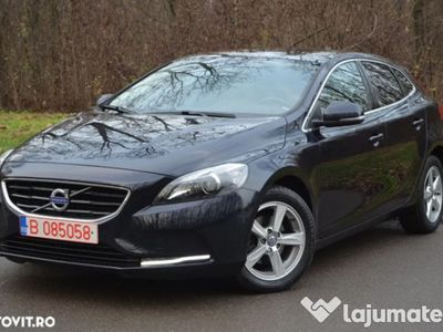 second-hand Volvo V40 2.0d 120 cp an 2016