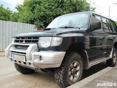 used Mitsubishi Pajero 2500cmc, 2004,7 locuri