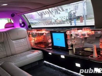 second-hand Lincoln Town Car vând sau schimb cu microbus