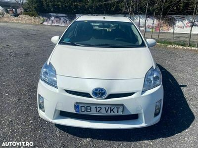 second-hand Toyota Prius (Hybrid)