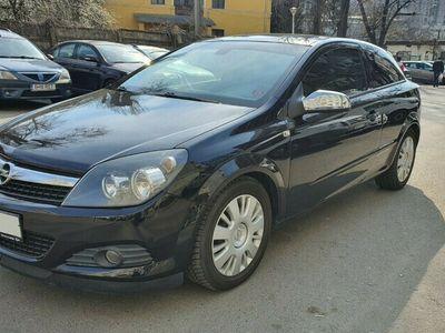second-hand Opel Astra GTC cu GPL