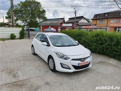 second-hand Hyundai i30 1.4 CRDi DieselManual 6+1 Trepte 35.000 Km !!