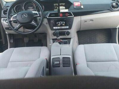 second-hand Mercedes C220 Impecabil