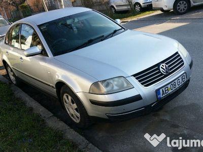 second-hand VW Passat 1.6 Benzina An 2002 Inmatriculat