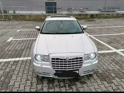 second-hand Chrysler 300C