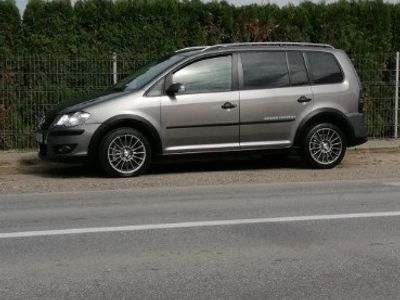 second-hand VW Touran Cross 2.0 tdi 7 locuri 2008