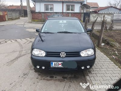 second-hand VW Golf IV 1.6 benzina
