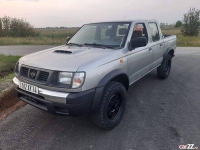 second-hand Nissan Navara 4X4 pick-up - an 2002, 2.5 (Diesel)