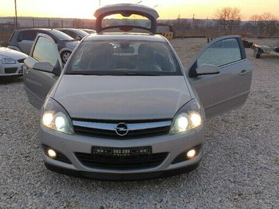 second-hand Opel Astra GTC. 1,7 TDI / 150CP. Climatronic
