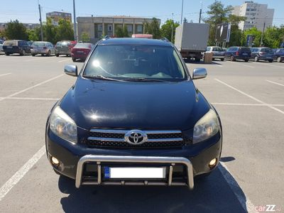 second-hand Toyota RAV4 2.2D-CAT