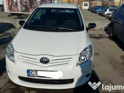 second-hand Toyota Auris benzina 2012 euro5