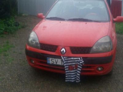 second-hand Renault Clio 1.5 div an 2004 in stare de functionare