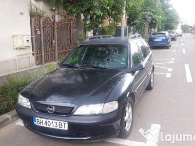 second-hand Opel Vectra 1.6, din 2002, in stare buna, la super pret!!!
