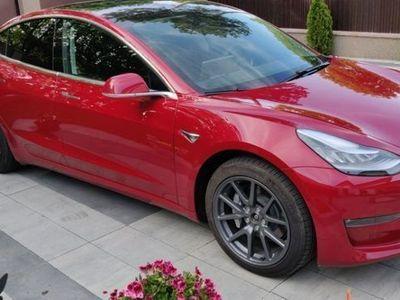 käytetty Tesla Model 3