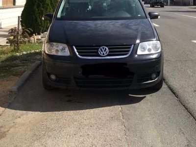 second-hand VW Touran Cross