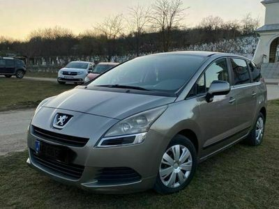 second-hand Peugeot 5008 HDI