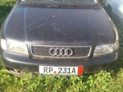 second-hand Audi A4 / an 1996 / 1.8 Benzina