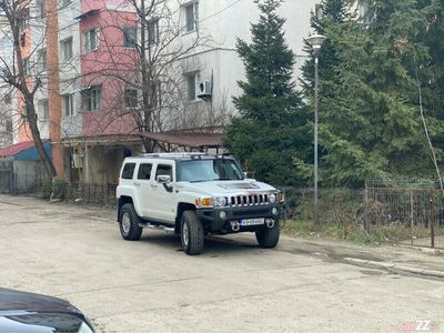 second-hand Hummer H3