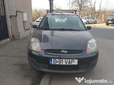 used Ford Fiesta 2008 1.4 benzină 114000 km