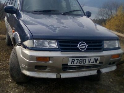 second-hand Ssangyong Musso jeep 4*4, 2.9 diesel, vo!an dreapta,manual