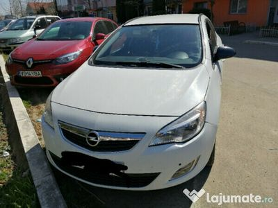 second-hand Opel Astra 2012