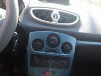second-hand Renault Clio III and / Schimb / cu diferenta